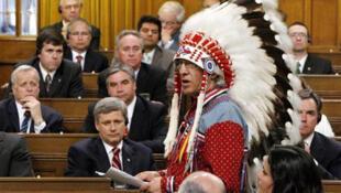 Канадское правительство принесло извинения аборигенам за притеснения в течение столетия с 1870 по 1970 г.г.