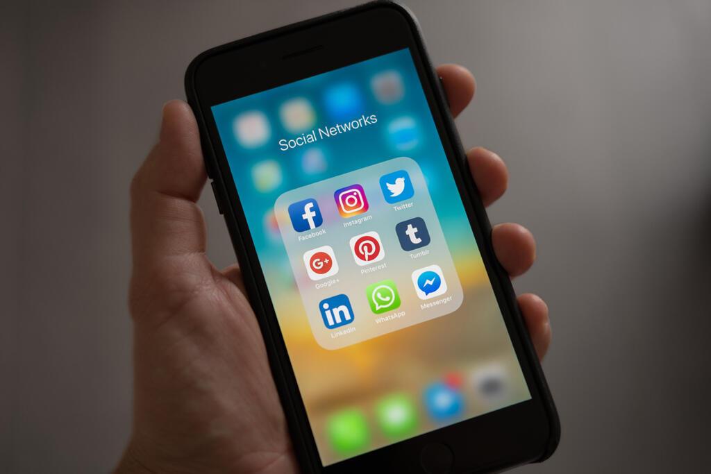 """""""Manipular opiniões públicas por meio das redes sociais é coisa seríssima."""""""