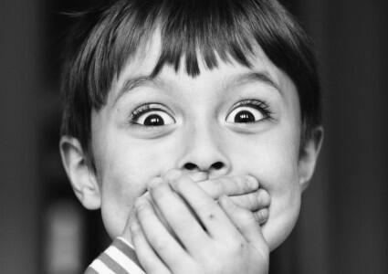 Le bégaiement est un trouble de la parole qui apparaît généralement chez l'enfant.