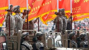 Xe bọc thép trong lễ diễu binh mừng 70 năm thành lập nước Cộng Hòa Nhân Dân Trung Hoa, Bắc Kinh, ngày 01/10/2019.
