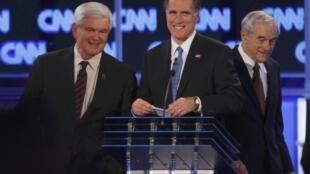 Os pré-candidatos republicanos antes do debate na Flórida