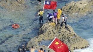 香港保钓人士2012年8月15日登陆钓鱼岛。