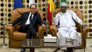 Shugaban Faransa François Hollande da Shugaban kasar Chadi Idriss Deby Itno.
