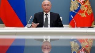 Las reformas constitucionales permitirán a Vladimir Putin cumplir dos mandatos más.