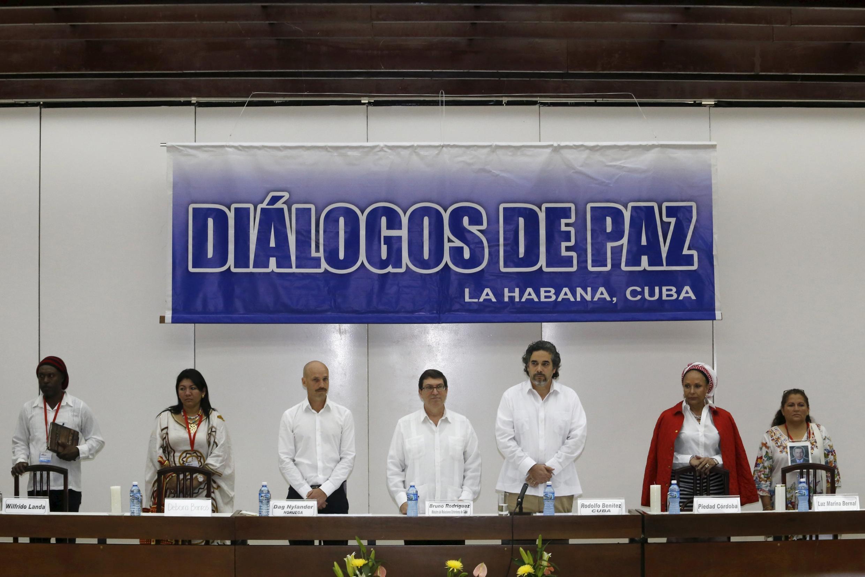 Processo de paz entre governo colombiano e as Farc está sendo negociado em Havana.