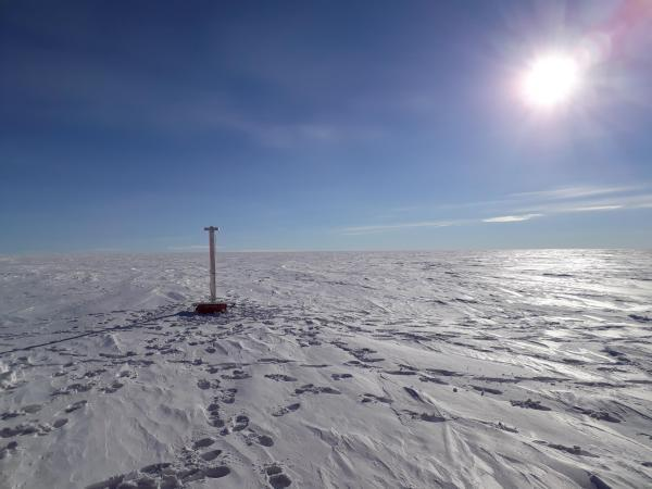 The EAIIST team installed several GPS positioning beacons to measure the speed and direction of ice flow. The devices will be collected during a follow-up mission in about a year's time.