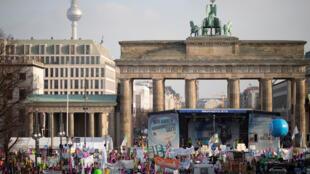 Agriculteurs et consommateurs ont manifesté ce samedi à Berlin sous le slogan «Wir haben es satt», «nous en avons assez» en français.