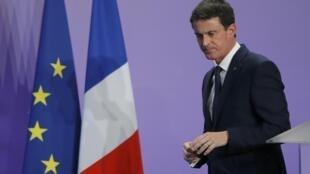 Manuel Valls, le 2 décembre 2016 à Nancy, dans le nord-est de la France, a rendu un hommage appuyé au président Hollande, qui a annoncé qu'il ne briguerait pas de second mandat à la tête du pays.