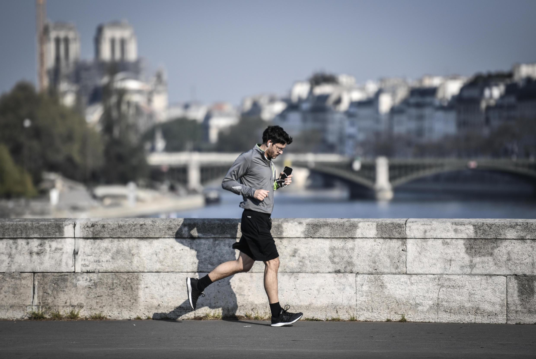 Начиная с 11 мая во Франции больше не нужны будут  пропуска для передвижения в радиусе 100 км от места жительства.