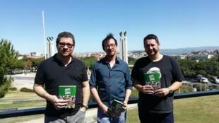 Andre Diniz, Rodrigo Rosa e érico Assis, em Lisboa, para o lançamento do catálogo HQ Brasil
