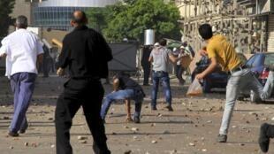 درگیری امروز مخالفان و حامیان محمد مرسی در شهر اسکندریه. ۷ تیر ماه/ ٢٨ ژوئن ٢٠١٣