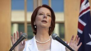 លោកស្រីជូលីយ៉ា ហ្គីឡាដ (Julia Gillard) នាយករដ្ឋមន្រ្តីអូស្រ្តាលី
