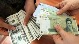 A partir de mardi 10 avril, les Iraniens pourront payer 42—000 rials iraniens pour un dollar.