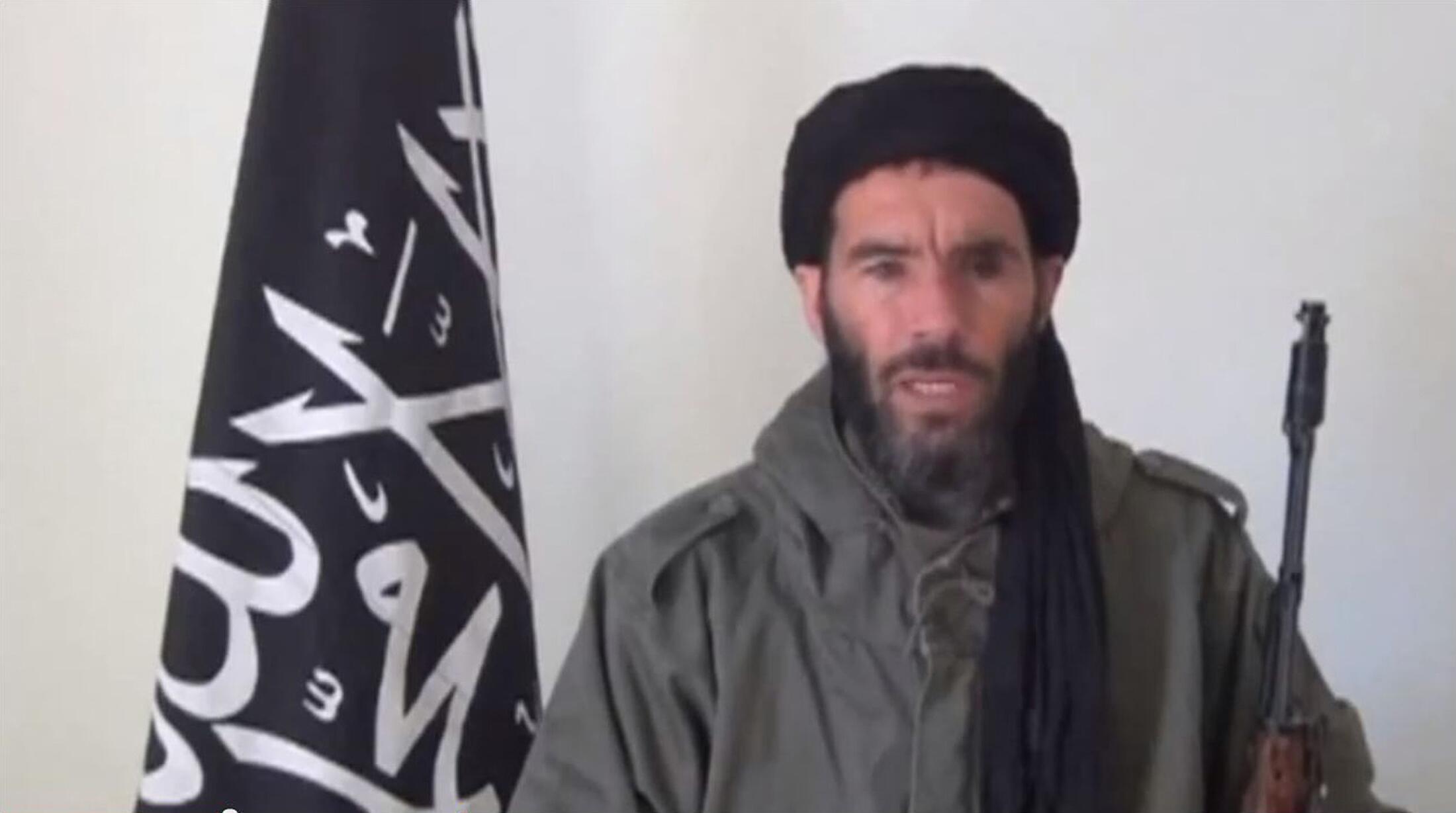 Mokhtar Belmokhtar, dans une vidéo non datée et diffusée, après le 16 janvier 2013.