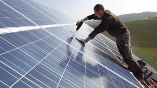 Selon l'AIE, sur les dix principaux fabricants mondiaux de modules photovoltaïques, sept sont chinois.