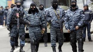 Agentes 'Berkut' en Kiev, el 22 de febrero 2014.