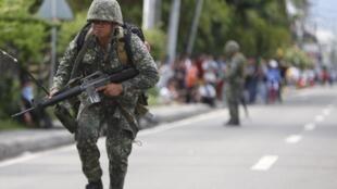 Un soldat dans une rue de Zamboanga, le 10 septembre 2013.