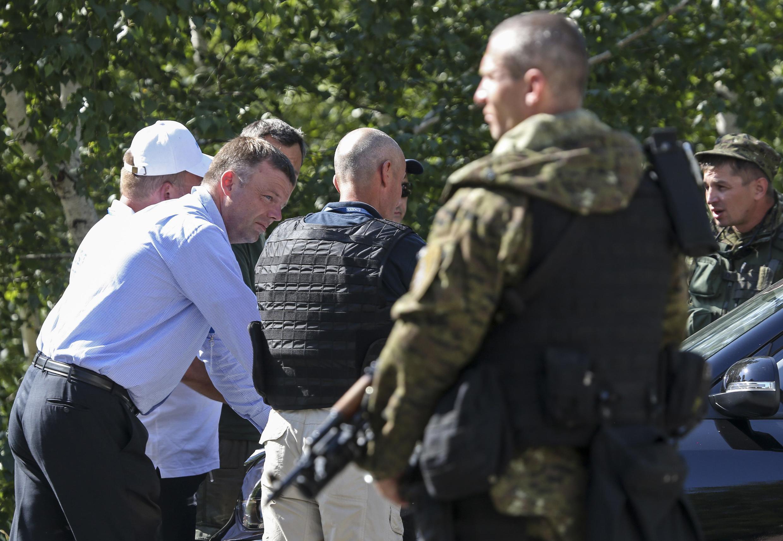 O depultado Alexander Hug, vice-chefe da equipe da Organização para Segurança e Cooperação na Europa (OSCE) monitora as investigações na Ucrânia. 30 de julho de 2014.