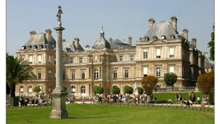 位于卢森堡公园的法国参议院