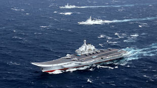 2016年12月在南海進行航訓的中國航母遼寧號艦隊