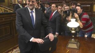 Mariano Rajoy, eleito o novo premiê espanhol, após cerimônia na Câmara em Madri, nesta terça-feira.