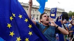 """""""O """"bye-bye"""" dos anglo-saxões serviram como catalisadores de uma tomada de consciência de que o modelo europeu precisava ser defendido. E que valia a pena brigar por isso."""""""
