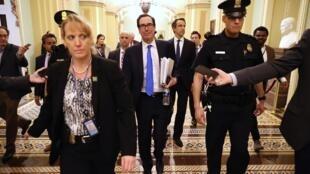 Le secrétaire américain au Trésor Steven Mnuchin au Congrès dans la nuit de mardi à mercredi.