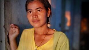 Depuis 2007, Tep Vanny se bat contre les expulsions forcées de sa communauté par la société Shikaku, un consorsium mixte de capitaux publics cambodgiens et une compagnie chinoise qui a l'intention de construire un quartier luxueux.