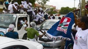 Militantes da FRELIMO e do MDM durante a campanha para as eleições autárquicas moçambicanas