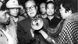趙紫陽八九年六四前夕出現在天安門廣場