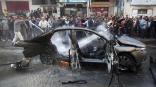 O líder militar do Hamas, Ahmed Jaabari, morreu em consequência de um ataque aéreo israelense contra o carro em que viajava na Faixa de Gaza.