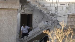 Combates no bairro de Mazzé, Damasco, visando a minoria síria de alauítas.