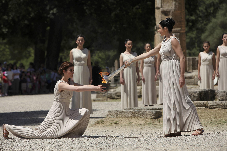 Церемония зажжение Олимпийского огня, Греция, Олимп, 9 мая 2012 года