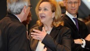 La ministre autrichienne des Finances Maria Fekter avec Jean-Claude Juncker, le président de l'Eurogroupe à Copenhague, le 30 mars 2012.