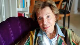 Французская писательница и феминистка Бенуат Гру