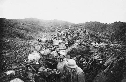 Photographies de Poilus, lors de la bataille de Verdun (Octobre 1916).