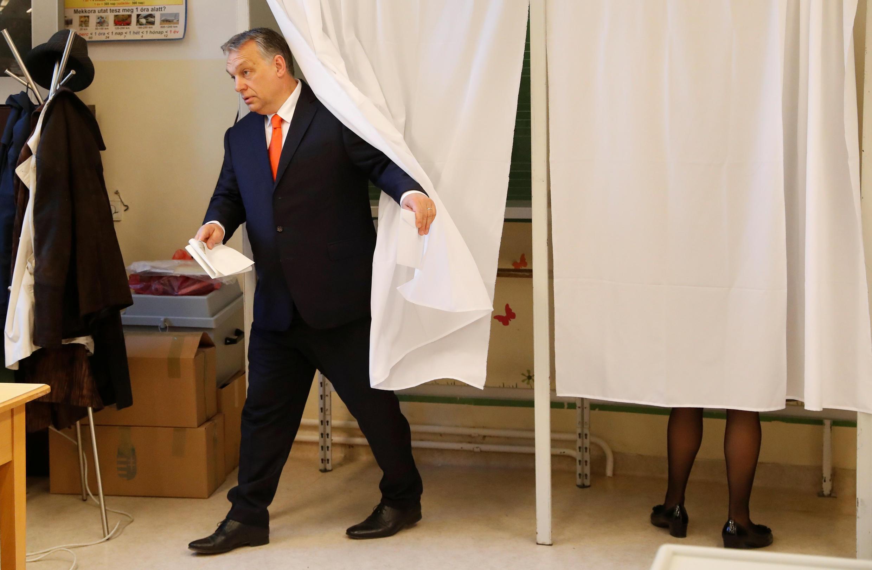 Thủ tướng Hungary Viktor Orban đi bầu tại Budapest, thủ đô Hungary, ngày 08/04/2018.
