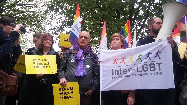 13 апреля в Париже прошла акция протеста против гомофобии в Чечне