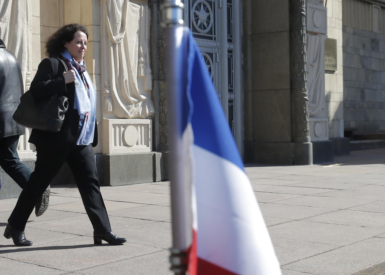 Đại sứ Pháp Sylvie Bermann ra khỏi bộ Ngoại Giao Nga sau thông báo trục xuất, ngày 30/03/2018.