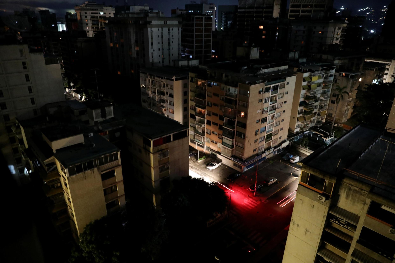 À la suite d'une nouvelle coupure d'électricité au Venezuela, la capitale Caracas était plongée dans le noir, ce lundi 22 juillet 2019.