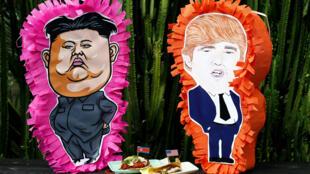 Representaciones de Kim y Trump en un restaurant en Singapur.