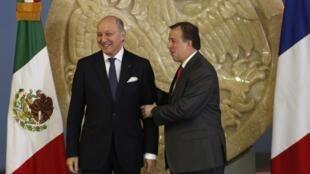 El canciller francés Laurent Fabius y su colega mexicano José Antonio Meade, en julio pasado, en México.