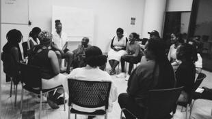 elles sont une dizaine, assises en rond dans une salle de l'Africa Leadership University à Kigali.