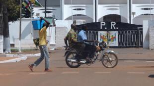 Jean Serge Bokassa a été limogé de son poste de ministre par décret présidentiel.