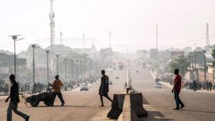 Circulation inhabituellement fluide sur le boulevard Lumumba à Kinshasa lors d'une précédente journée «ville morte», le 3 avril 2017.