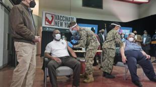 etats-unis-new-yrk-vaccination-militaire