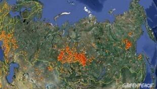 Схема расположения основных очагов лесных пожаров на территории Российской Федерации по данным пожарной информационной системы FIRMS по состоянию на утро 27 июля 2012 года.