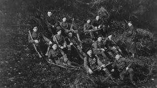 Des hommes de la Royal Irish Constabulary (RIC) lors de la guerre d'indépendance, en 1921, dans le comté de Tipperary.