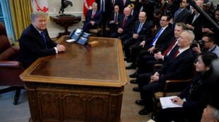 特朗普2月22日在白宮會見劉鶴