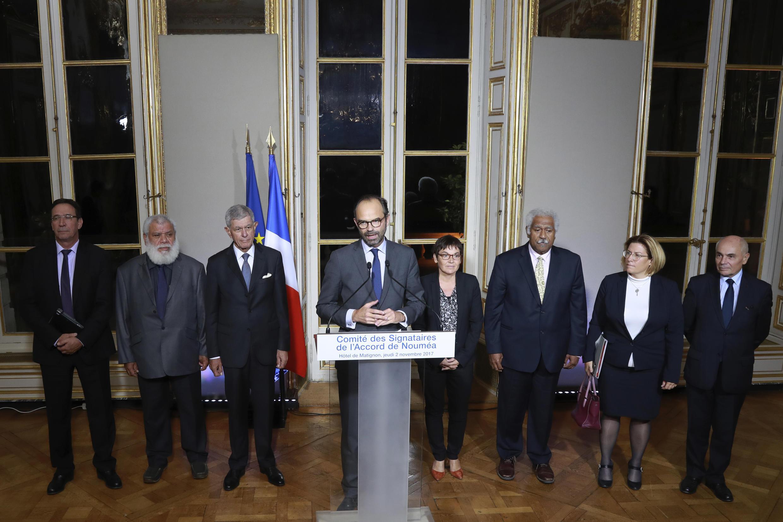 Премьер-министр Франции Эдуар Филипп объявляет о заключении политического соглашения о референдуме в Новой Каледонии 2 ноября 2017 года.